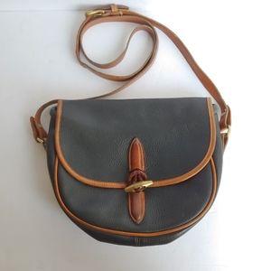 Dooney & Bourke. Vintage messenger crossbody bag.